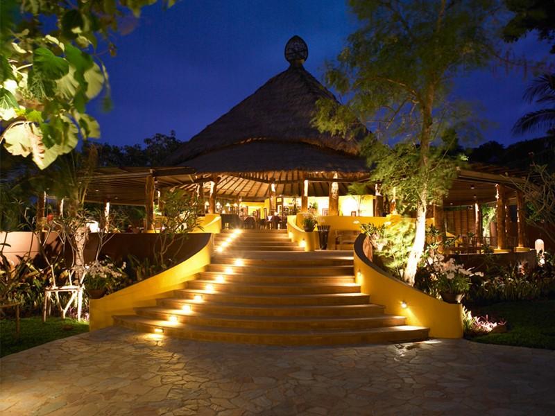Extérieure du restaurant de l'hôtel Paradee en Thaïlande