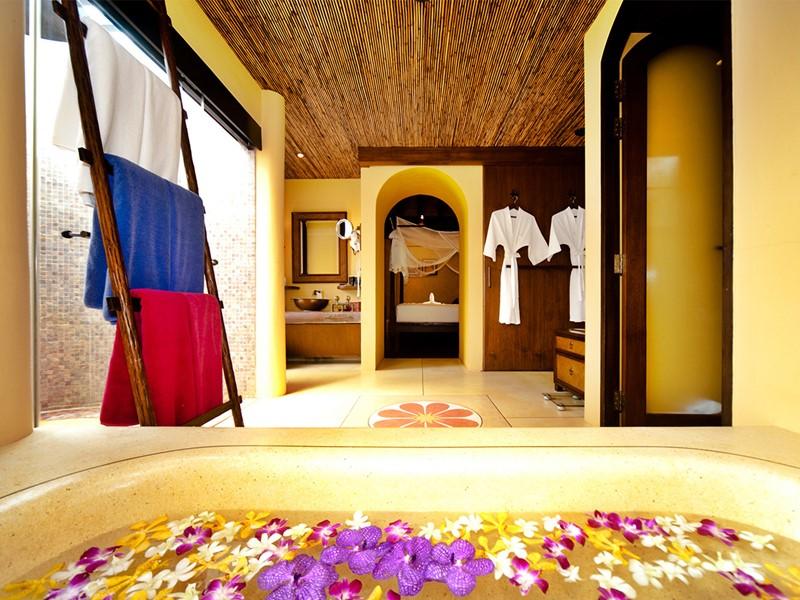 Salle de bain de la Garden Pool Villa de l'hôtel Paradee en Thaïlande
