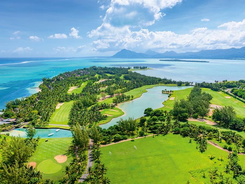 Le superbe parcours de golf du Paradis Beachcomber
