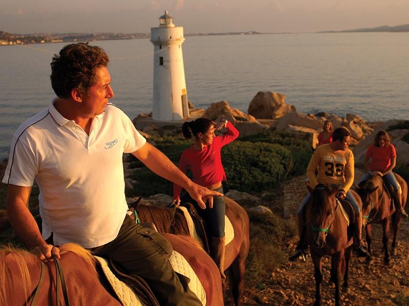 Profitez d'une balade à dos de cheval durant votre séjour au Cala di Lepre
