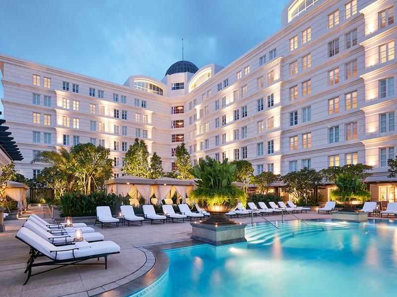La superbe piscine de l'hôtel Park Hyatt Saigon