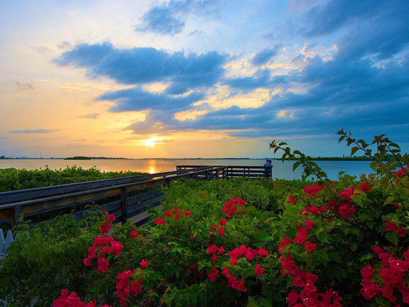 Contemplez un magnifique coucher de soleil depuis l'hôtel.