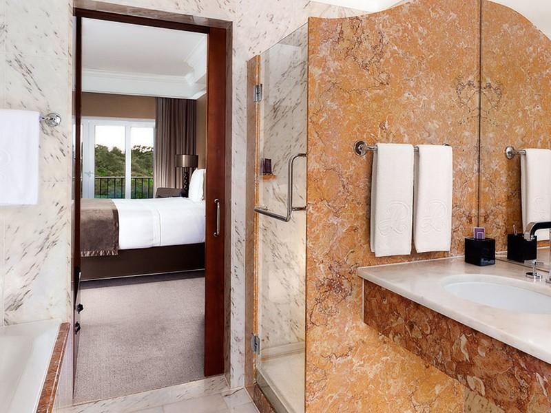 Salle de bain de la Chambre Deluxe du Penha Longa