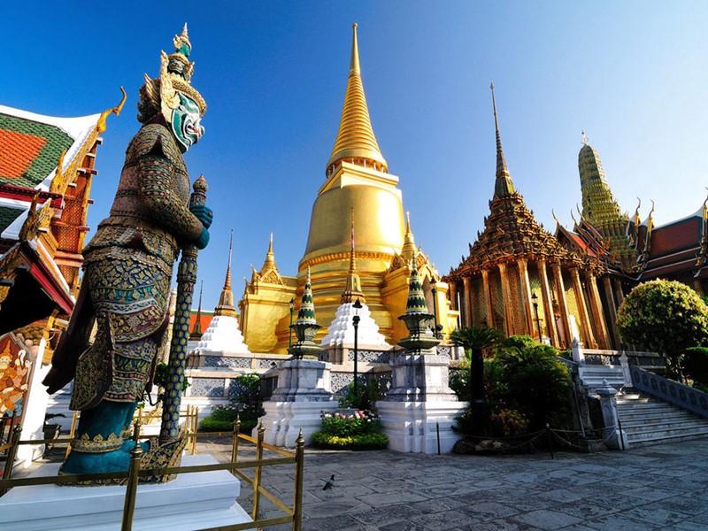 Le Temple du Bouddha d'émeraude, Le Wat Phra Kaeo