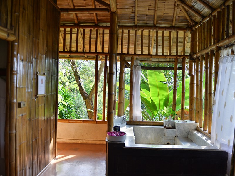 Le bain du spa du Phu Chaisai Mountain Resort en Thaïlande