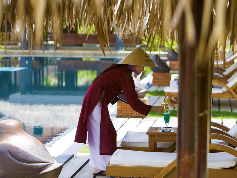 Rafraichissez vous au bord de la piscine du Pilgrimage Village