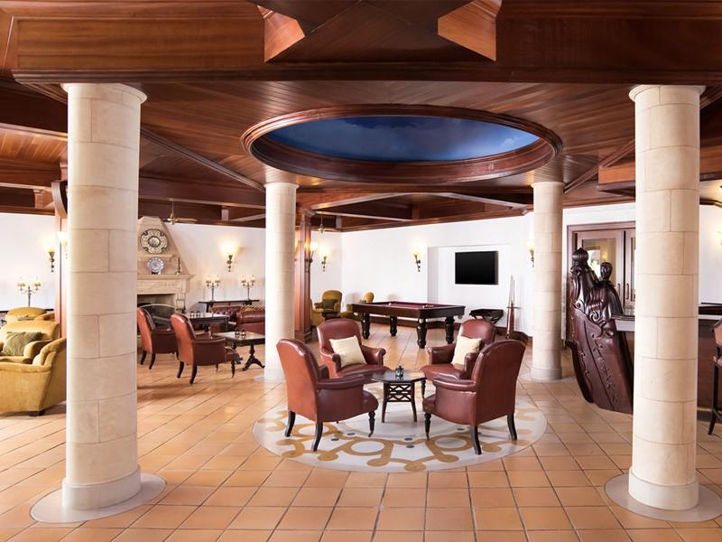 Le Portulano Lobby Bar du Pine Cliffs à Algarve
