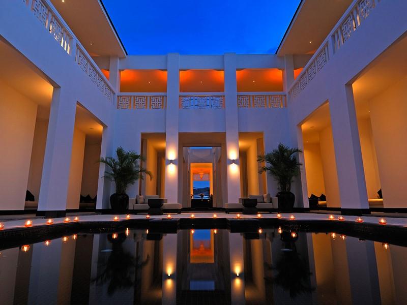 Le piscine du spa de l'hôtel Princess D'An Nam au Vietnam