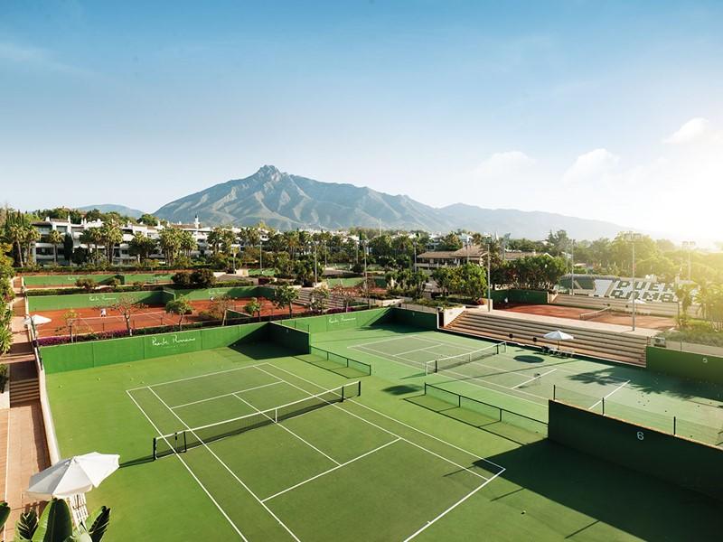 Le court de tennis du Puente Romano à Marbella