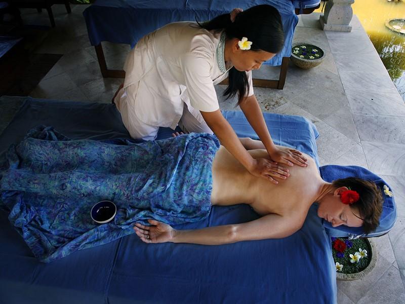 Massage au spa de l'hôtel Puri Bagus Lovina