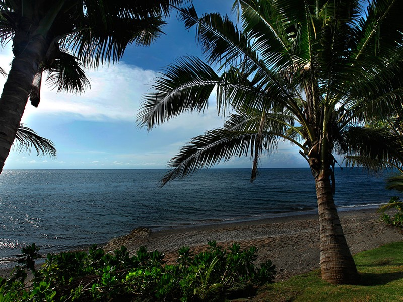 Vue de la plage de l'hôtel Puri Bagus Lovina