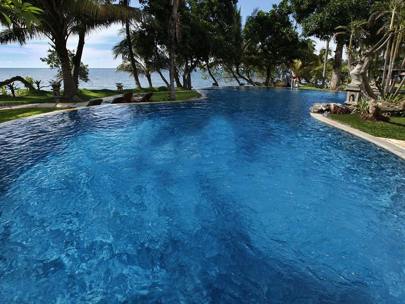 La piscine du Puri Bagus Lovina à Bali