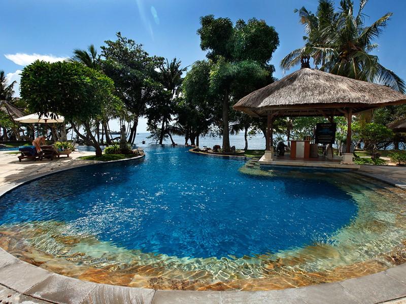 Autre vue de la piscine du Puri Bagus Lovina