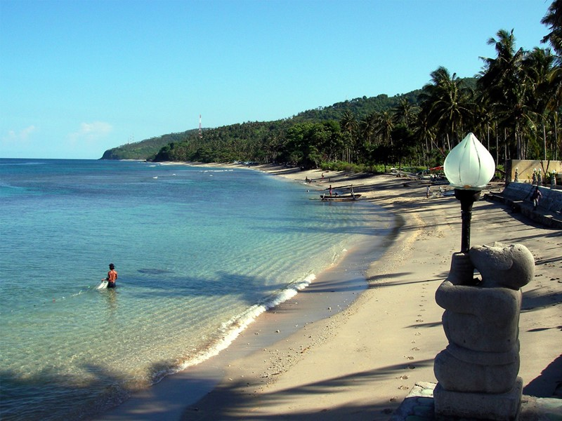 La plage du Puri Mas Boutique Resort & Spa