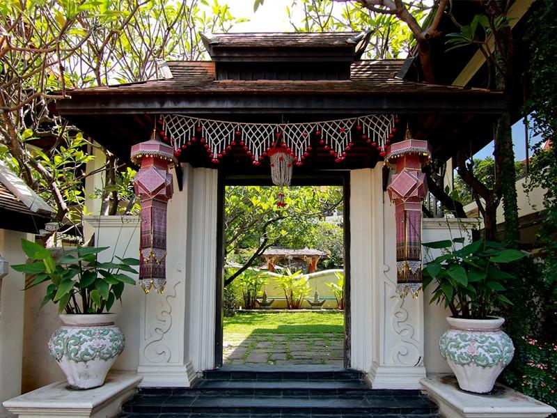 L'entrée de l'hôtel Puripunn en Thailande