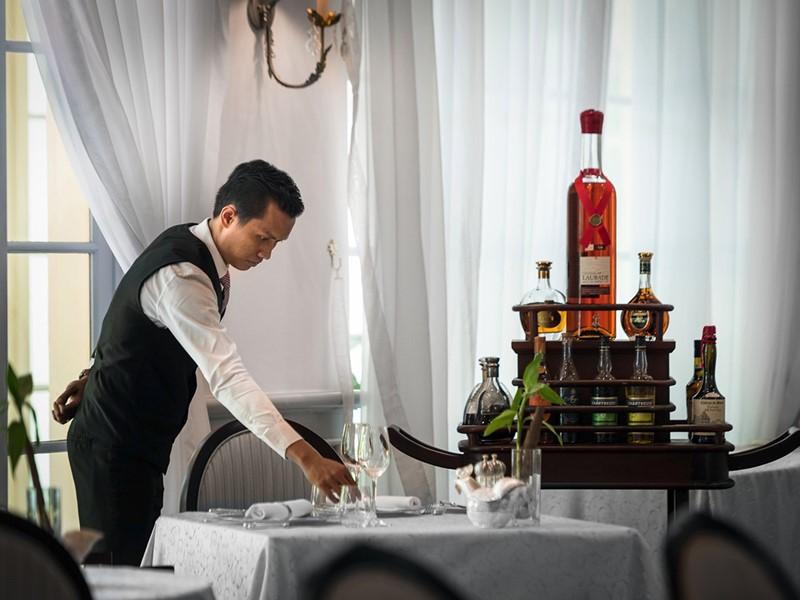 Vous apprécierez le service de grande qualité du Raffles Hotel