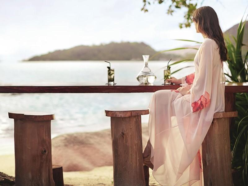Pti Zil Beach Bar de l'hôtel Raffles Praslin aux Seychelles