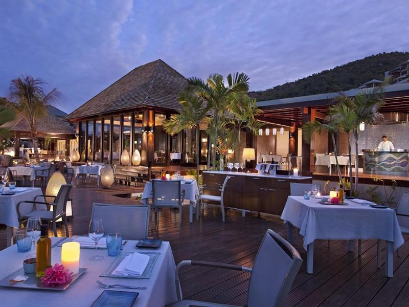 Le restaurant Curieuse de l'hôtel Raffles à Praslin