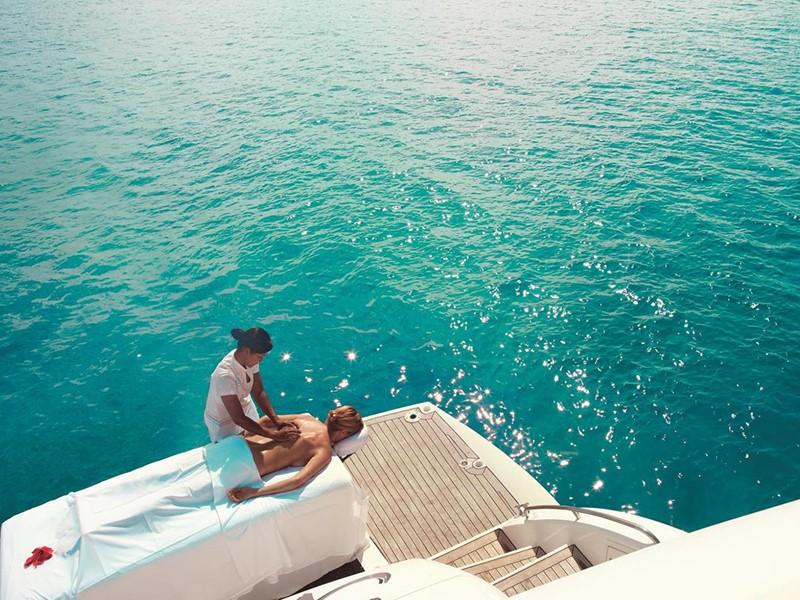 Expérience de relaxation unique à l'hôtel Raffles Praslin