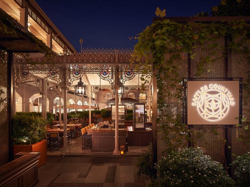 Le restaurant Raffles Courtyard