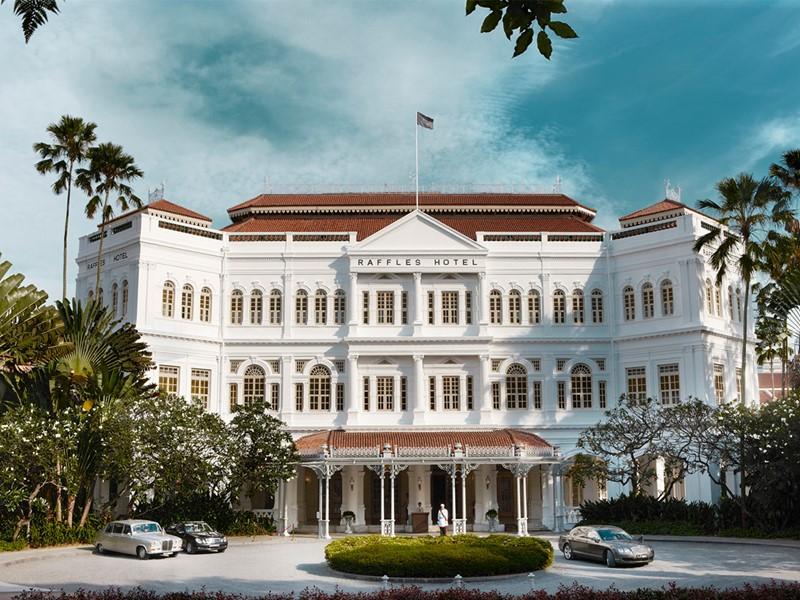Façade de l'hôtel Raffles situé au coeur de Singapour