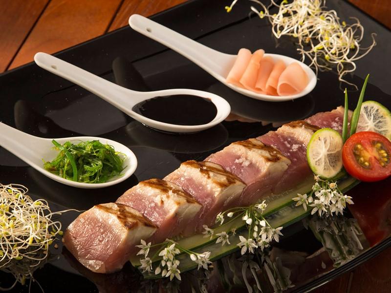 Cuisine raffinée mettant à l'honneur les produits de la mer