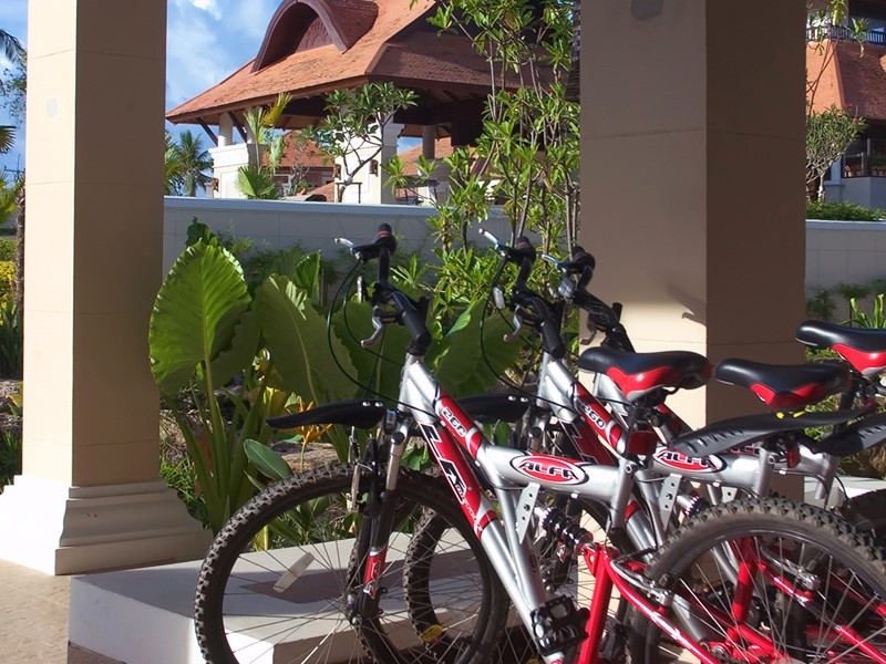 Balade à vélo au Rawi Warin Resort & Spa en Thailande