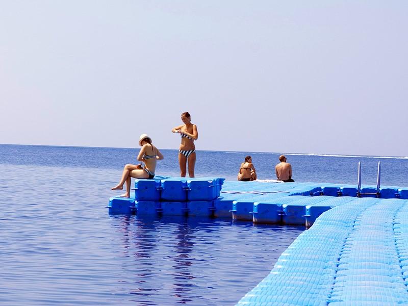 La piscine océan de l'hôtel Rawi Warin Resort en Thailande
