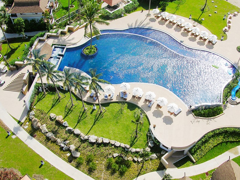 La piscine du Rawi Warin Resort situé en Thailande
