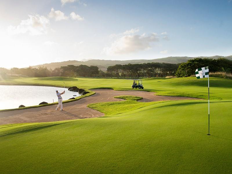 Les férus de golf profiteront de leur séjour à l'Île Maurice pour s'adonner à leur sport favori