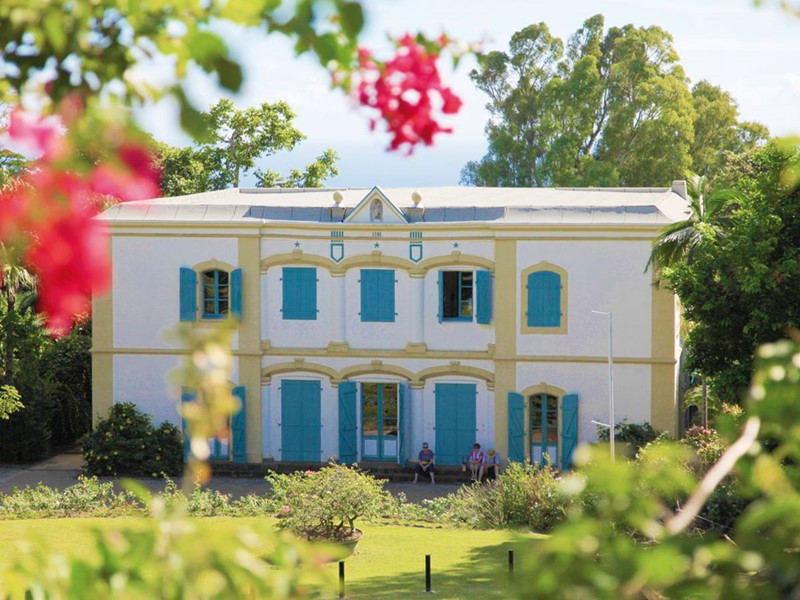 Allez à la découverte de l'histoire de l'île de La Réunion avec une visite du musée historique de Saint Gilles