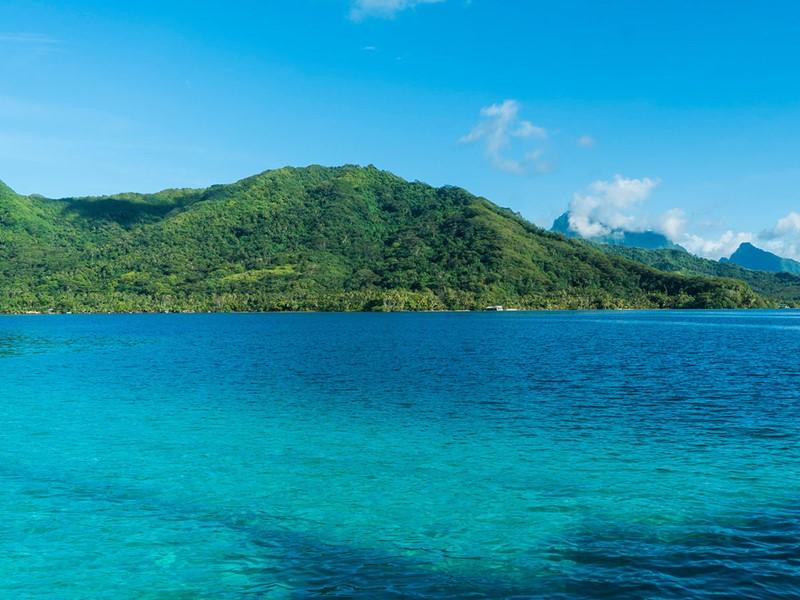Vue de Raiatea, l'île sacrée de la Polynésie