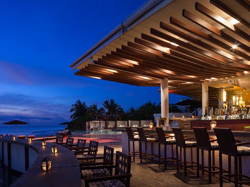Le bar du restaurant Punta Bonita du Rosewood Mayakoba