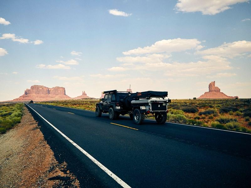 Traversez Monument Valley en voiture
