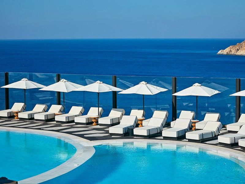 La piscine de l'hôtel Royal Myconian à Mykonos