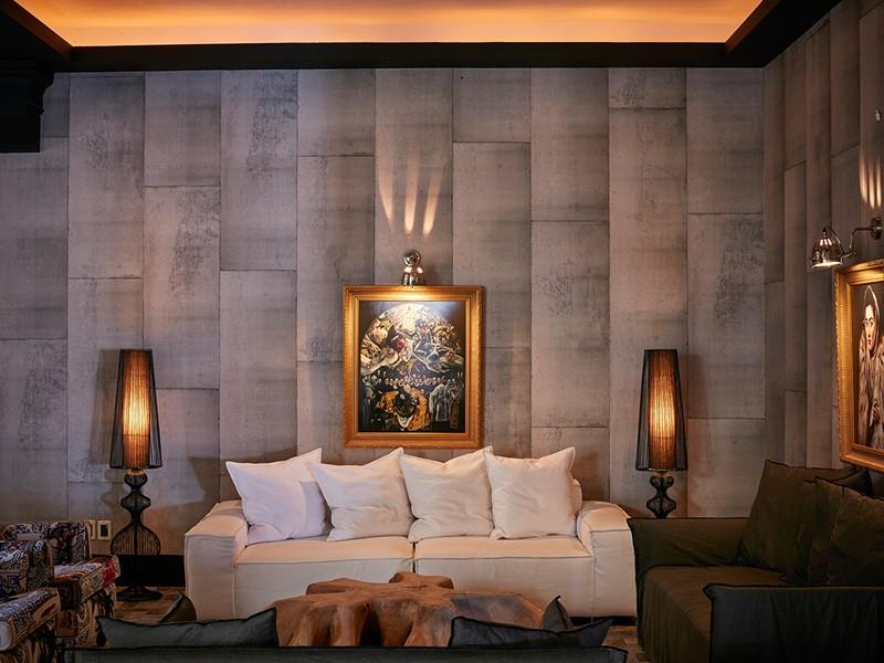 Le lobby de l'hôtel Royal Myconian, au style classique