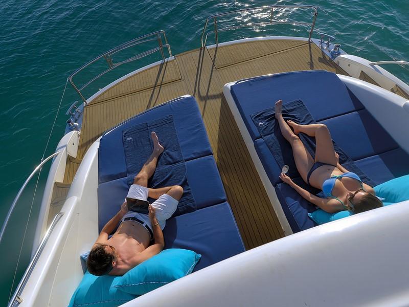 Naviguez sur l'océan à bord du yacht privé The Royal Princess