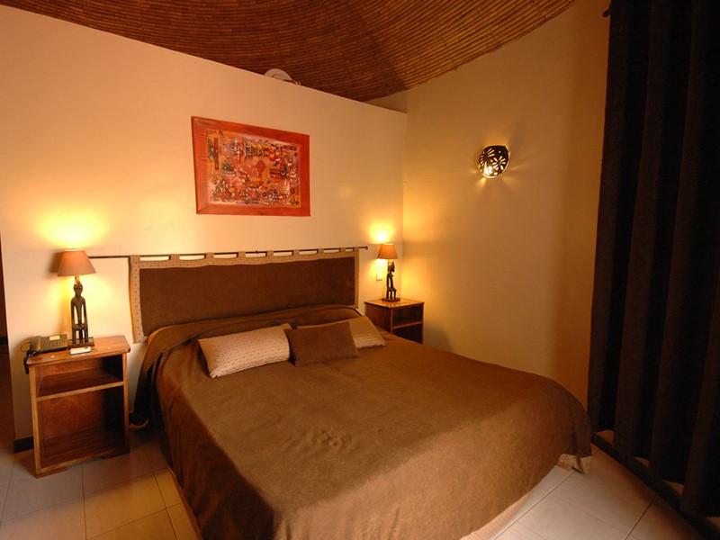 Chambre Supérieure de l'hôtel Royam au Sénégal