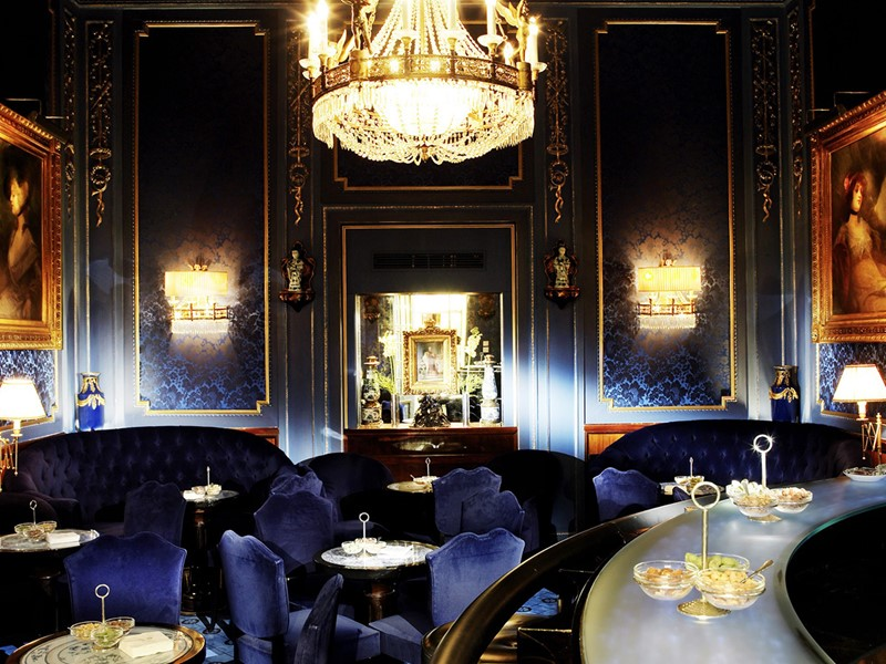 Le Blaue Bar