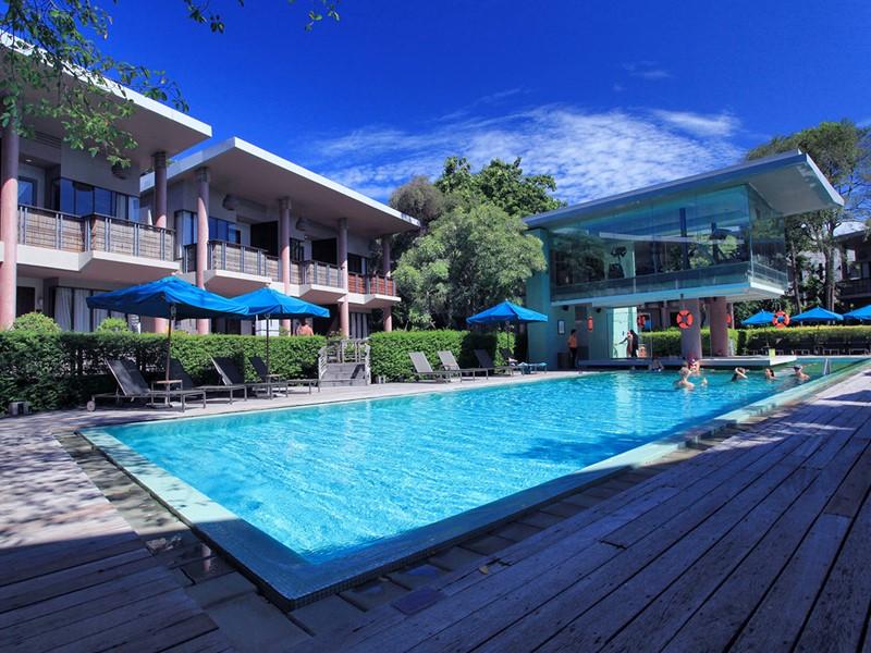 Piscine du Sai Kaew Beach Resort situé en Thailande