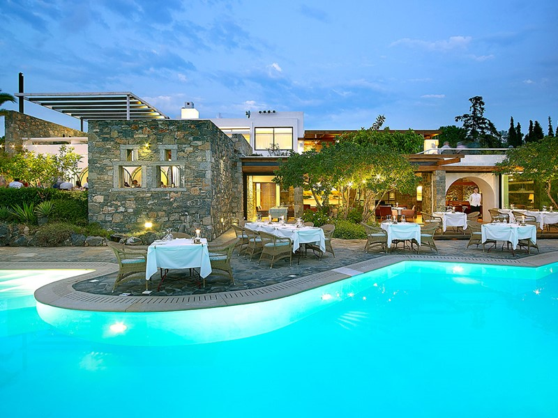 Minotaure Pool Restaurant du St. Nicolas Bay en Grèce
