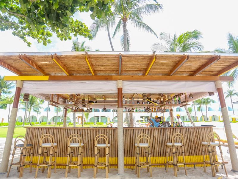 Rafraîchissez-vous au Beach Bar