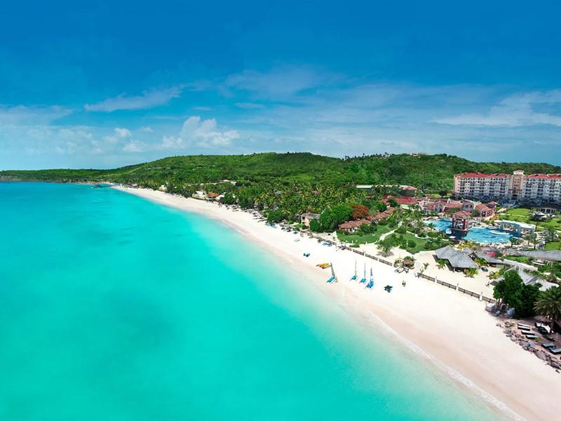 Vue du Sandals Grande Antigua Resort situé sur l'île d'Antigua