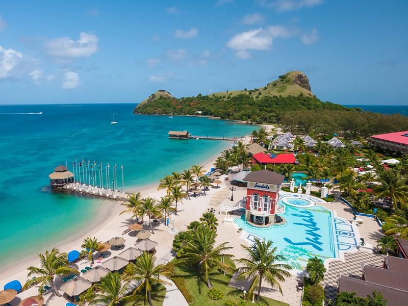 Vue aérienne de l'hôtel Sandals Grande St. Lucian