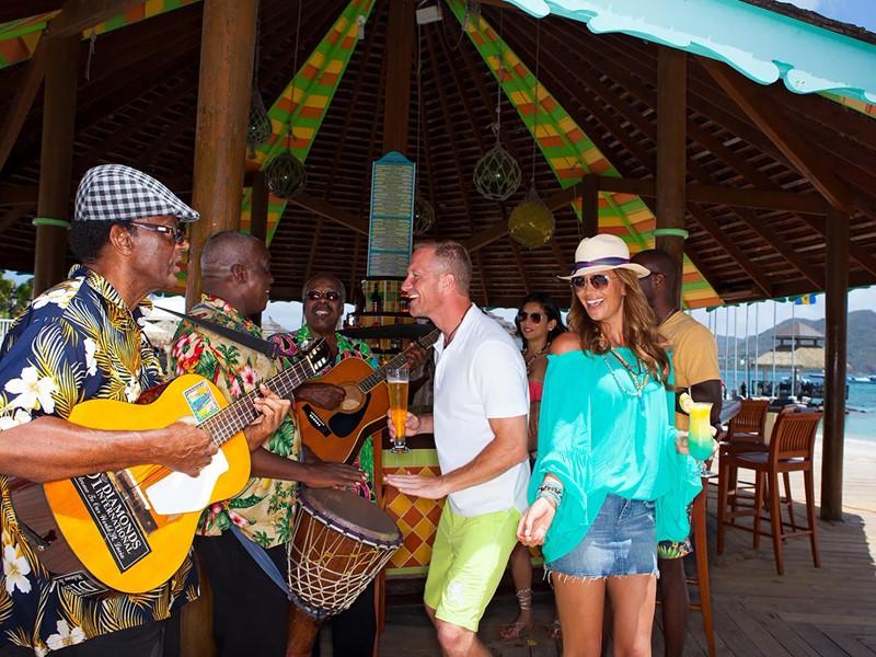 Ambiance typiquement caribéenne au Sandals Grande St. Lucian