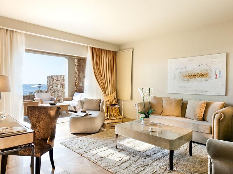 Deluxe Suite Beachfront