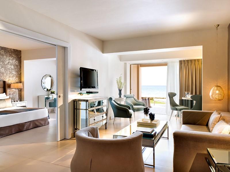One Bedroom Family Suite Beachfront du Sani Beach