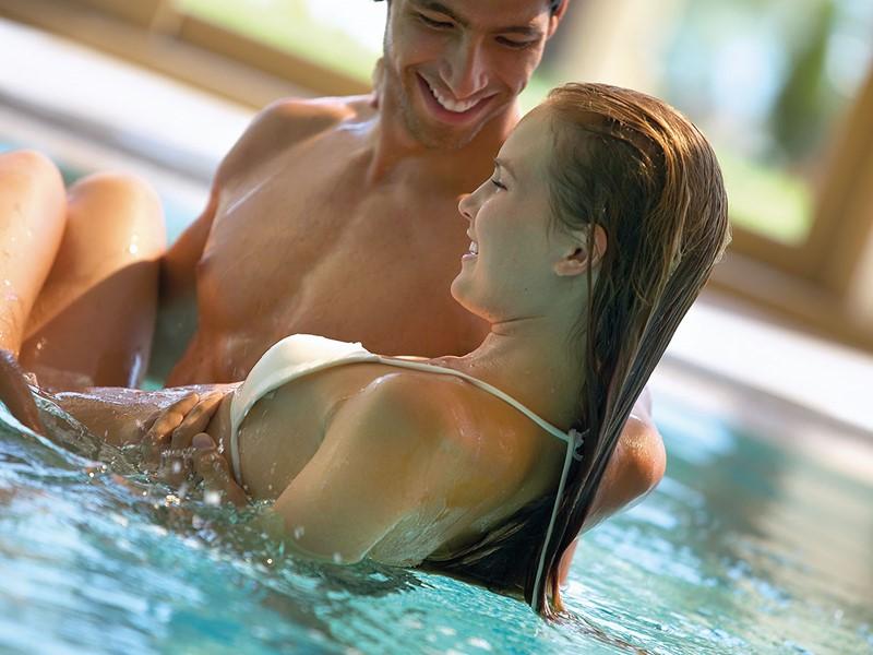 Profitez de la sublime piscine de l'hôtel Sani Beach