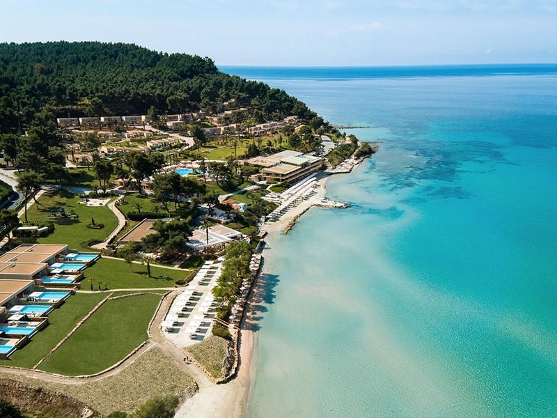 Vue aérienne du Sani Club situé au coeur du Sani Resort