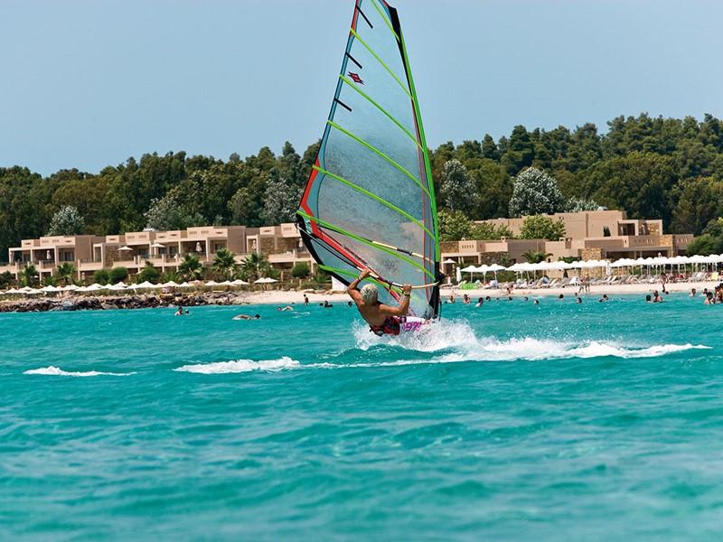 Activité nautique de l'hôtel Sani Club en Grèce